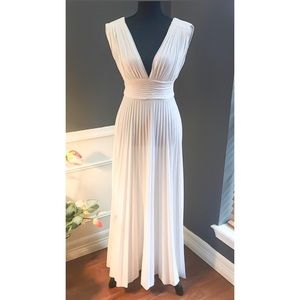 White VTG 70s Deep Plunge pleated Maxi dress PROM
